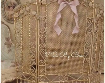1/12 OOAK victorian romantic screen, metal hand painted and decorated by Bea dollshouse miniatures 15cm high x 16cm wide.