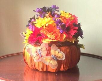 Pumpkin Basket Floral Centerpiece,Fall Floral Centerpiece,Pumpking Floral Centerpiece,Autumn Floral Centerpiece,Mums and Pumpkin,Fall Floral