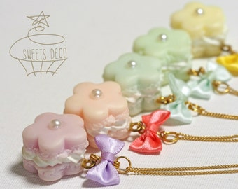 Flower Shaped Macaroon Necklace