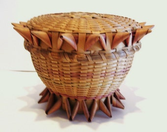 Vintage First Nations MicMac Basket with Lid Curly Ash Native American