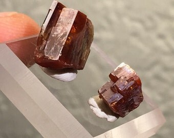 2pc Quality 5g Vanadinite Pair - Mibladen, Morocco - Item:VAN16003