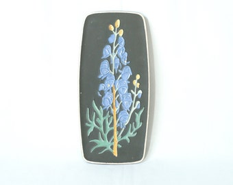KERMOS Wall Plate, 1950s West German Pottery Wall Tile, Gladiola Design, German Mid Century Modern Tile, Made in Germany, Retro Wall Art