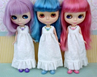 Hand-Embroidered Nightgown and Slipper Set for Blythe Neo Doll
