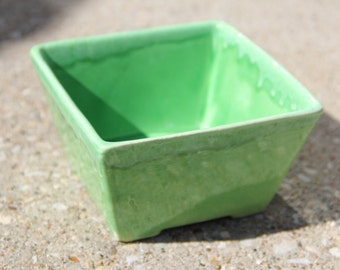 Vintage Small Lime Green Drip Glaze Planter/Gardening/Plant Pot/Glazed Container/Storage Bowl/Candy Dish/Storage Dish