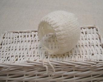 White Newborn Hat; Knitted Classic Newborn Bonnet; Knitted Bonnet; Newborn Photo Prop; Hat Prop