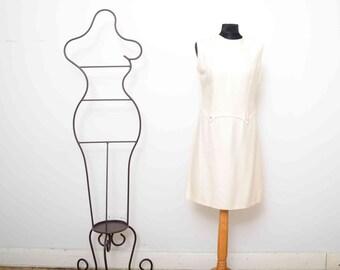 Cream silk 60s shift dress. UK 10 Euro 38 US 6 Aus 10