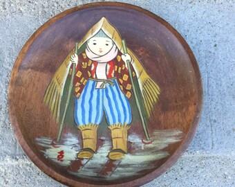 Vintage decorative wood hanging plate