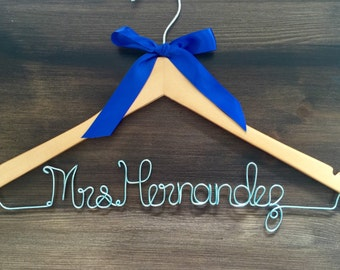 SALE Shipping Bridal Hanger, Bride Hanger with BOW, Multiple Colors, Name Hanger, Wedding Hanger, Personalized Bridal hanger, Bridal Gift