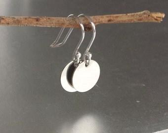 Silver Disks Earrings - Minimal Jewellery - Petite Vintage Disks - Round Drop Earring - Essential - Feminine -Trendy - Chic Boho - Dangle