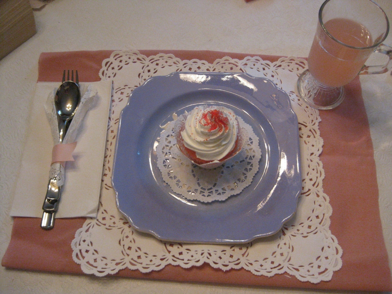 square doily placemat table setting tea party paper set cup. Black Bedroom Furniture Sets. Home Design Ideas