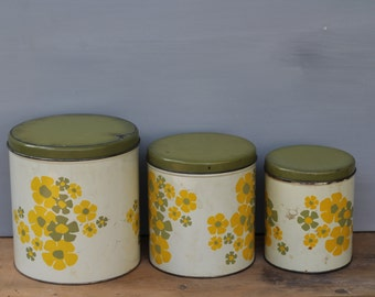 Decoware Canister Set / Set of 3 Nesting 1950's Vintage Canisters / Decoware Tin Canisters / Vintage Kitchen Decor / Farmhouse Kitchen Decor