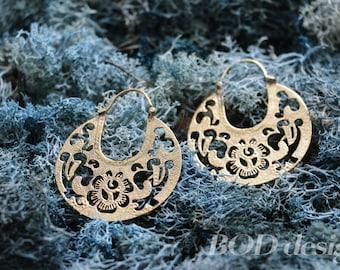 Floral brass earrings
