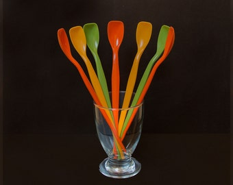 Set of vintage plastic spoons seventies - ice