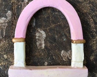 """2"""" Fairy Window """"arched"""" style - light pink"""