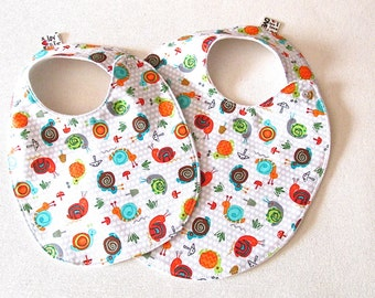 Cute Snails Baby Bib , Baby Girl Bib, Baby Shower Gift, Trendy Bib, Snail Bib, Absorbent Bib, baby shower gift, baby girl bib