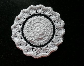 Set of 4 Crochet coasters in white and black
