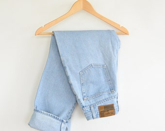 Wrangler Jeans Faded High Waist Wrangler Blues Leather Patch High Waisted Size 4/30 Weekend Jeans 1990's
