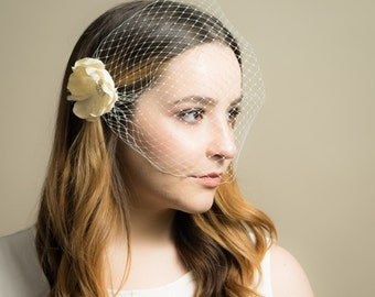 Birdcage Wedding Veil with Small Crystal and Feather Floral Bridal Headpiece ( Birdcage Veil, Russian Netting Veil, Crystal Feather Flower)
