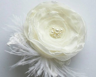 Ivory hair flower Flower hair clip Flower with feathers Bridal hair accessory