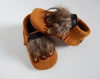 Baby Moccasins/ Baby Shoes/ Toddler Moccasins/ Toddler Shoes/Infant Moccasins/Girls Shoes/Boys Shoes/moccasins/ Suede Baby Moccasin/ Indian