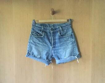 LEVIS 701-0117 Cut Off Denim Shorts, 28, Ladies 25 XS )