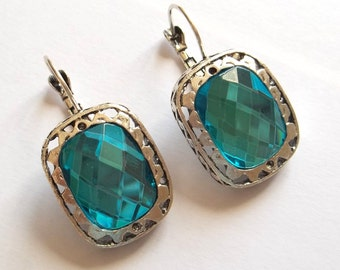 Earrings vintage style antique silvers with aquamarine crystals