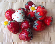 Strawberry. Handmade Hollow Lampwork Bead (1 pc). Bright Red, Dark Red, Unripe