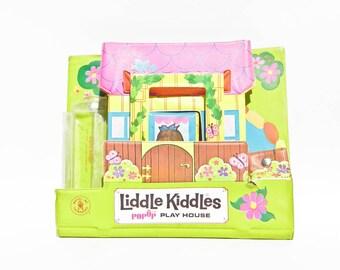 Vintage TLC Liddle Kiddles Pop Up Playhouse - 1967 Mattel - Ripped Wall - Vinyl Playset - Little Kittles - Tiny Foldable Dollhouse