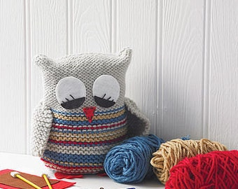 Sleepy Owl Knitting Kit