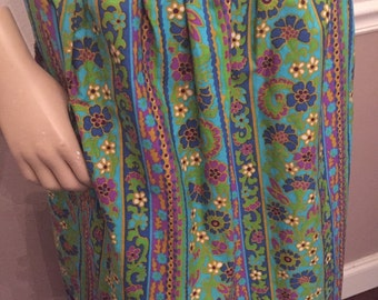 Vintage 70's / 80's cotton timeless floral wrap skirt with pockets  / small to medium