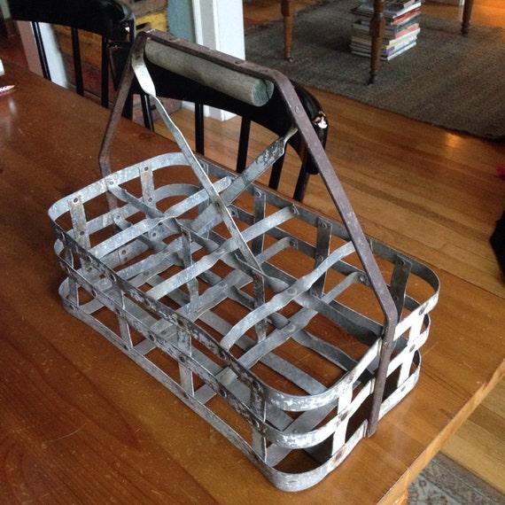 vintage milk bottle carrier metal 8 quart carrier dairy. Black Bedroom Furniture Sets. Home Design Ideas