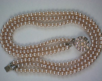 Triple Strand Faux Pearl Necklace - 4164