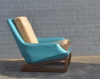 Mid century Danish Deluxe chair aqua/blue vinyl sleigh base