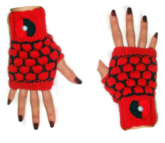 Red Heart Knitting Pattern Mittens : Heart Fingerless Gloves Mittens Fingerless by ...
