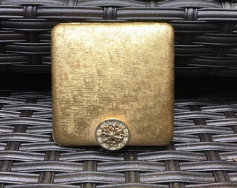 Vintage Compact by Avon. Gold Tone Compact with Floral Rhinestone Clasp and Interior Mirror. Fashion Accessory. Gift for Her. Purse Mirror