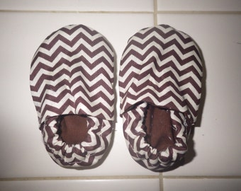 Chevron print crib shoes-small brown and white print