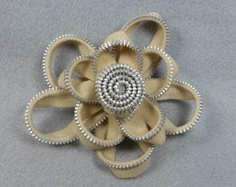 Zipper Flower Brooch - Beige Flower Pin, Upcycled, Recycled, Repurposed, Zipper Jewelry, Zipper Pin, Zipper Brooch, Zipper Art