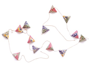 Origami geometric garland geometric pattern paper tetrahedrons