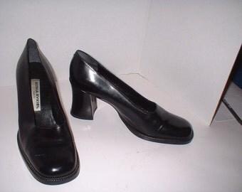 Woman's Authentic Sonia Rykiel Paris Black Leather Heels Pumps Shoes HIGH END Size 38 1/2 B or 7.5 - 8 M VGC