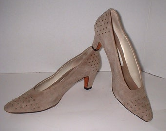 Evan-Picone Taupe Suede Pump Heel Shoes with STUDS Size 7