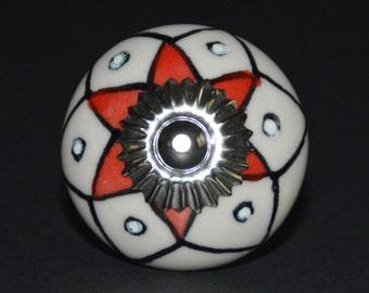 Ceramic knob/cabinet knob/drawer pull/unique/decorative/furniture hardware/dresser handle/door knob/bathroom knob/kitchen knob/star/flower