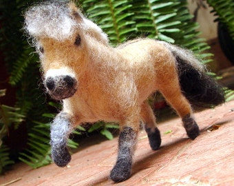 Custom felted horse replica wool horse sculpture needle felt horse sculpture poseable equestrian horse art decor Fiord horse lover gift idea