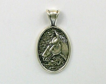 925 Sterling Silver Horse Pendant - 26