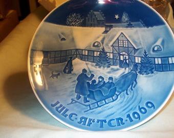 Vintage Bing Grondahl (B & G) Denmark Plate, 1969, Blue White