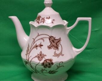 Royal Stratfordshire White Windsong Ironstone Tea Pot