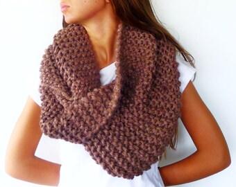 Bufanda de lana gruesa en tostado. Cuello de lana tejido a mano. Cuellos de punto originales. Bufandas de punto modernas. Bufandas tejidas