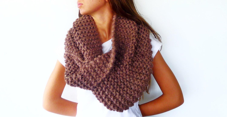 bufanda de lana gruesa en tostado cuello de lana tejido a