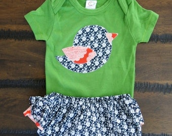 Organic baby bodysuit 6 -12 months /Christmas baby clothes / Organic ruffled bloomers / Bird appliqué bodysuit / Hipster baby girl clothes