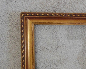 1 of 2 Vintage Gilt Wood Picture Frames for Painting Print Photograph Photo