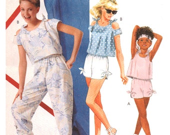 McCalls Sewing Pattern 2527 Girl's Top. Pants, Shorts  Size:  CH  7-8-10  Uncut